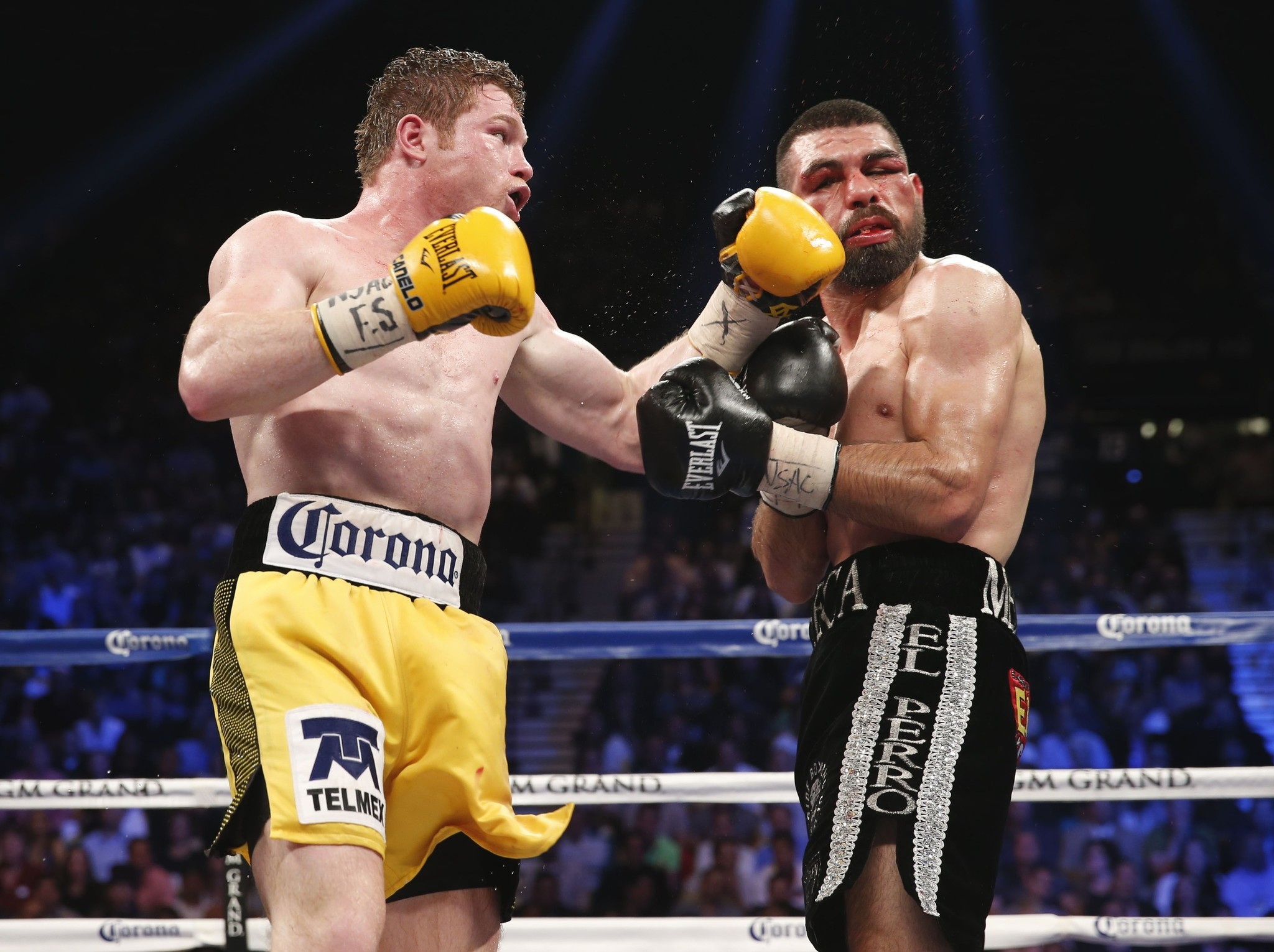 Oscar De La Hoya also  together with Prediction Keys To The Fight Mayweather Vs Maidana 16719 additionally Watch besides Creative Punching With Canelo. on oscar de la hoya mexican boxer