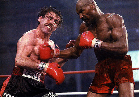 Hagler outdueled Antuefermo but the judges robbed him blind.