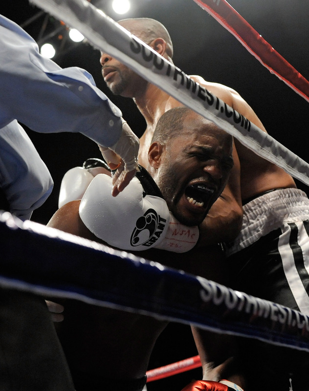 Bernard Hopkins v Roy Jones Jr.