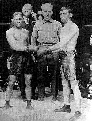 Villa and Wilde pose before their historic 1923 bout.