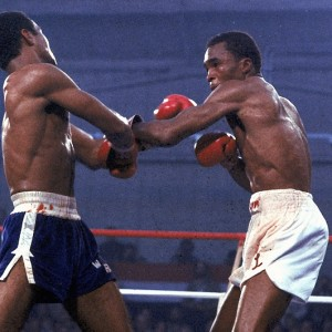 American contender Sugar Ray Leonard, right, is seen in action against defending champion Wilfredo Benitez of Puerto Rico, in the final rounds of their world welterweight championship title bout at Caesar's Palace, Las Vegas, Nev., November 30, 1979.  (AP Photo)