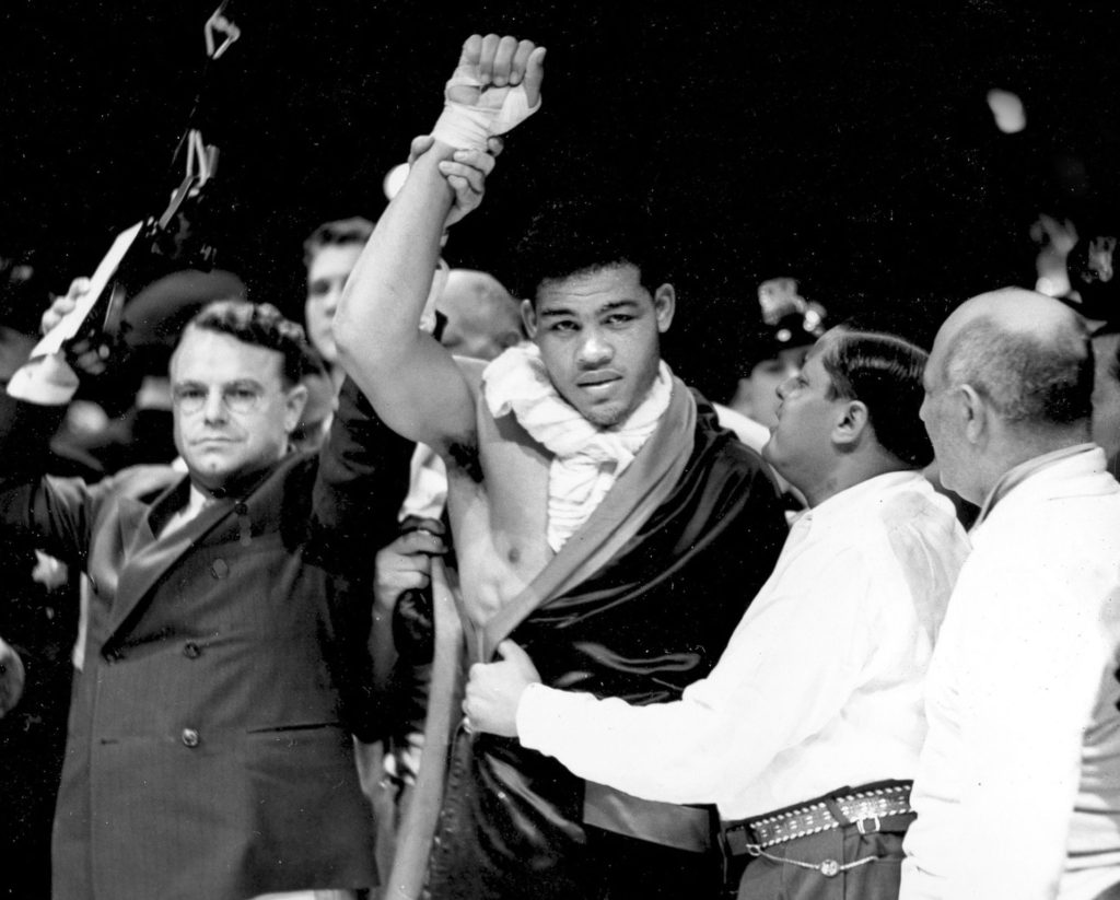Top 12 All-Time Greatest Heavyweight Punchers In Boxing