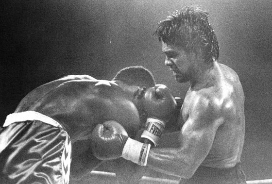 Against Moore, Duran's body attack was deadly.