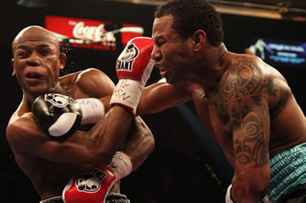 Mosley tagged Mayweather hard in round 2