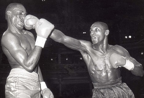 Former British champion Herol Graham picks Floyd.