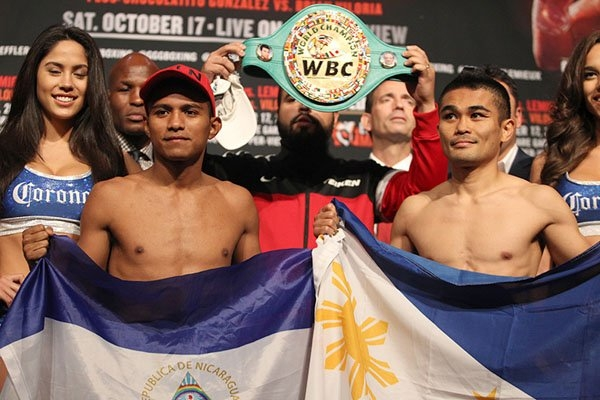 Gonzalez and Viloria at yesterday's weigh-in.