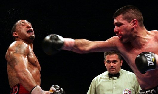 alfredo_angulo_vs__james_kirkland_(680)_-530x317