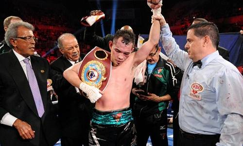 After a tough battle, Donaire collects another belt.