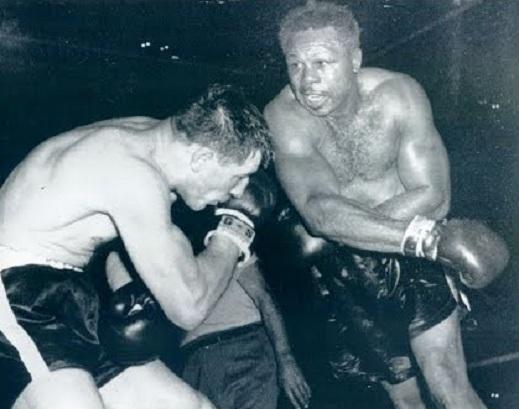 Moore defeats Durelle