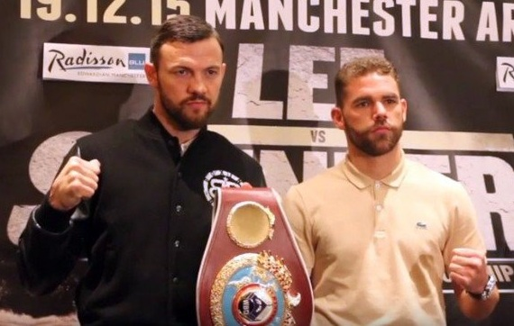 Lee and Saunders pose pre-fight with a meaningless prop.