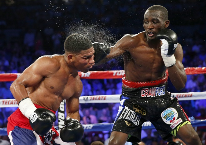 Crawford battered Gamboa.