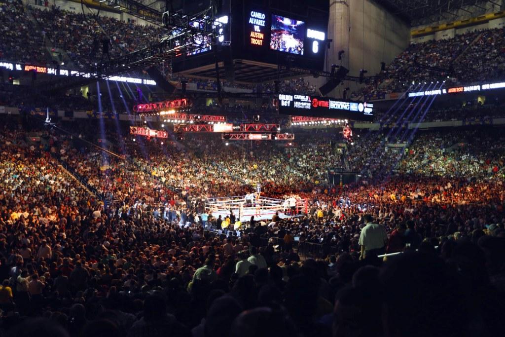 Canelo crammed almost 40,000 into San Antonio's Alamodome