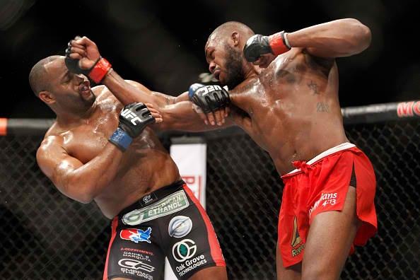 Jones defeats Cormier: can