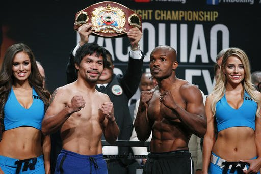 Pacquiao and Bradley at the weigh-in.