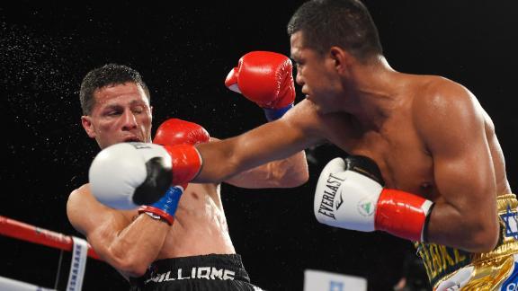 Gonzalez hammers a tough Arroyo.