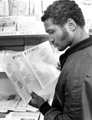 Ryan's father, Al Ford, checking his spot in the world rankings in 1970.