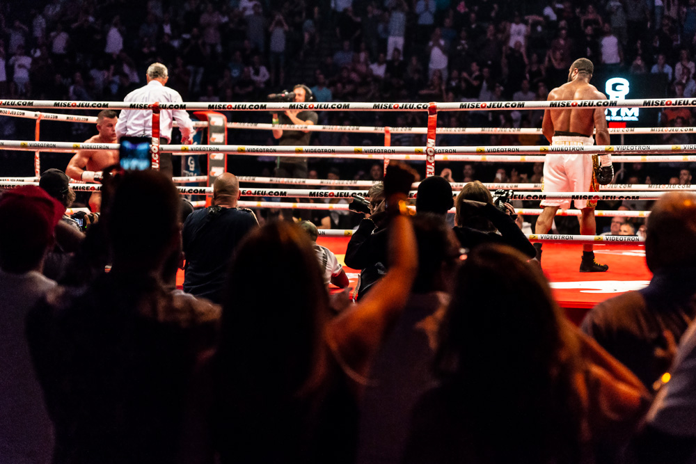 Jean Pascal walks away from a finished Steve Bosse, job done.