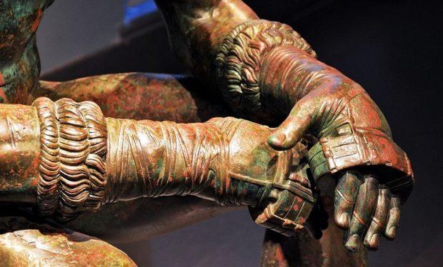 boxing statue